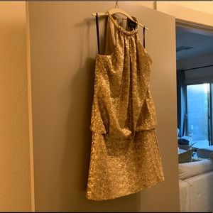 Gold Sequin dress size 6 brand: Laundry